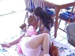 La lactancia materna - niña Adulto