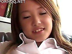 Asiatisk teen flicka blir körd