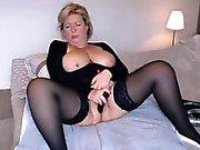 Sybiljoh46 webchat Busty olgun masturbates ve squirts