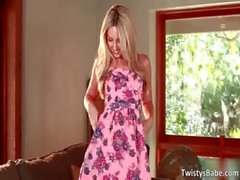 Sexy blonde babe Sarah Peachez