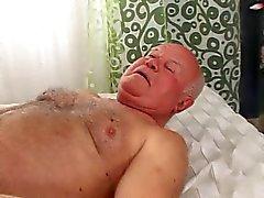 Morfar intern laddar d ' provsmakning