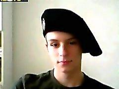 Militärischen Twink Im wichst seinen pimmel on webcam