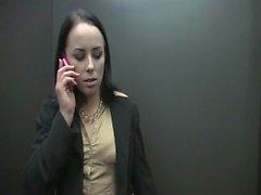Sexig Sekreteraren binds up avrivet och sköljs ned