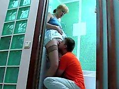 Russische NOT Mutter und ihren Sohn nicht bumsen im Bad