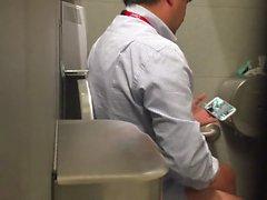Str8 шпионом папа в общественном туалете 2