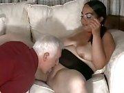 Junges Mollige Frauen mit durchbrochenem Brustwarzen liebt Anal