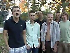 Video di Giovani Is camma pronte per un cocktail di Bukkake ?