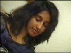 Intialainen tyttö Hieronta