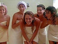 Porkys - Voyeur gloryhole duş sahnesi (solo girls )