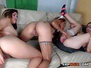 annablossoms amateur se doigte sur webcam en direct