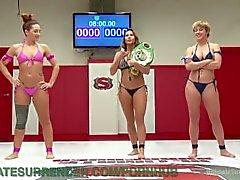 Lesbienne Wrestling Winner Humiliates Loser