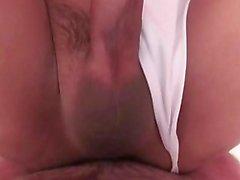 Transeksüel Bu hemşire araba musluğunu tadım ve anal alır