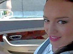 Franceska Jaimes é uma porcaria Manuel Ferrara no carro de
