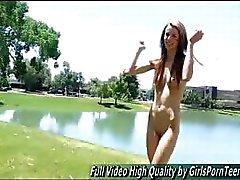 Kourtney babe pillua kuuma katsella ilmaiseksi video
