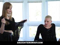 DaughterSwap Gothic Sluts nai mustajalkafretit elävät isä pt.1