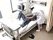 Azgın dostum hastane ve çivi bir sigara sıcak nur gider