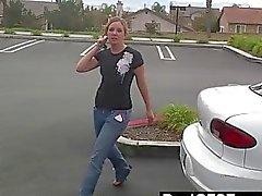 Na ja 239ve Tyttö Sucks Dick aikana Jännittävää auton kyydissä