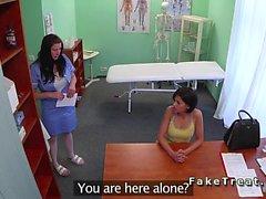 Hasta doktorun lanet olası tedavi alır