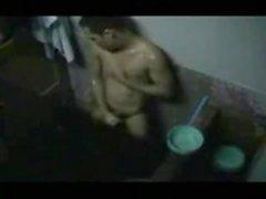 Fångat med dusch Wank