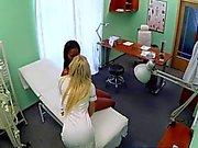 Doktor Aşk Daha büyük Göğüsler - göre PACKMANS Office istiyor