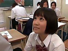 Sınıfa seksi bir göster