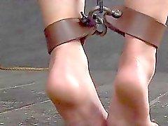 Мокрые от непристойного пытках