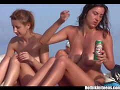 Big tits bikini Kızlar spycam plaj voyeur HD Video