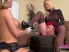 Protuberancia Hot tiene la criada come coño