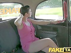 FakeTaxi - de Prague beauté en de taxi london