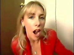 Hustru Svalor och drosslar på Cum