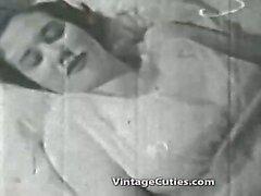 Vrouw spelen met een enorme lul