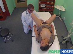 FakeHospital Dirty bir doktor seksi bir öğrenci sikikleri