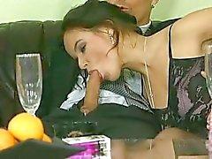 Coco Brown - Noiva fodido por dois caras