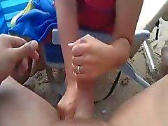 Handarbeit sowie cum am Strand WF