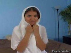 Natuurlijke Egyptisch meisje krijgt haar kutje