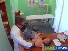 FakeHospital Läkare i hanen avloppet sexigt deltagare depression