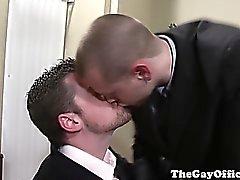 Pernos oficinas gay de mierda en la la sala de juntas