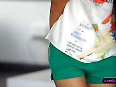 Siro Aasialaiset trendikäs Paula Ujo rakastaa asiaa 69. asemaa sekä Doggystyle