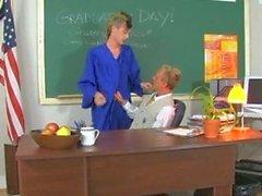 Тейлора допускает Давка в Учитель