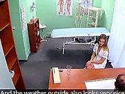 FakeHospital Hemşire büyük bir eşek ile berbat ve sikikleri