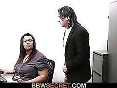 Женат босс винтов черного секретарем и запускается лопнул