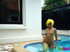 Thaimaalainen Hooker altaassa