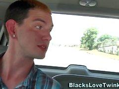 Гей-черный чувак получает джиззи