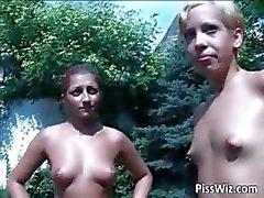 Lésbicas ao ar livre mostrar onde vagabundas p1ss