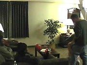 Marido instructores hotwife tener un roomful de pene