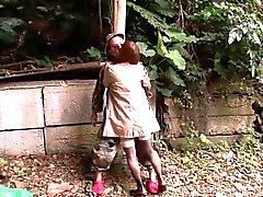 Japani kypsät Hitomi Tanaka jyskyttivät ulkotiloissa