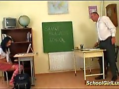 Hardcore i stygg schoolgirl