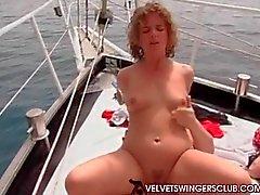 Velvet Swingers клуб лодке групповухи партия