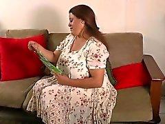 pantimedias de nylon conseguir GILFs Brenca y Rosaly en el de humor