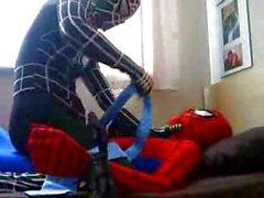 Adam Örümcek Adam aleyhine venom intikam